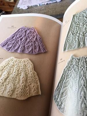Japanese knitting stitch Bible , Hitomi Shida